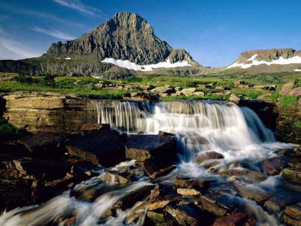 places to stay in glacier national park bc