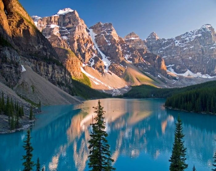 places to stay in glacier national park canada