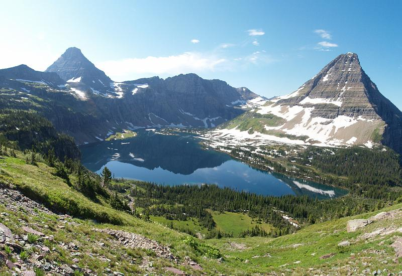 where to stay in glacier national park bc